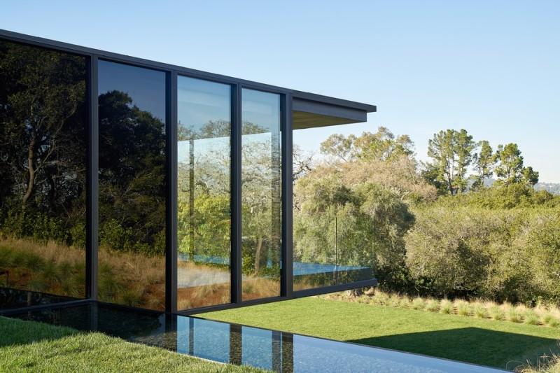 oz-by-stanley-saitowitz-natoma-architects-inc14-960