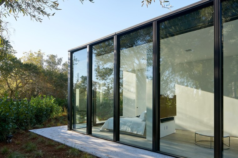 oz-by-stanley-saitowitz-natoma-architects-inc23-960