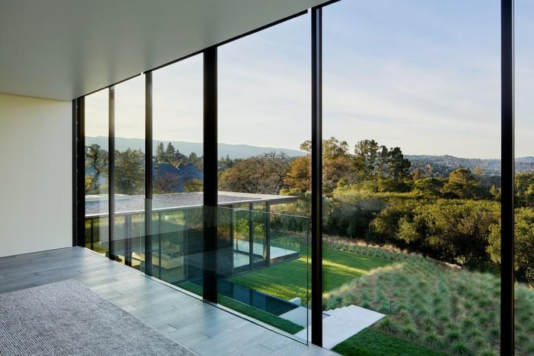 oz-by-stanley-saitowitz-natoma-architects-inc24-960