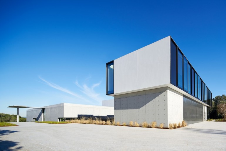 oz-by-stanley-saitowitz-natoma-architects-inc4-960