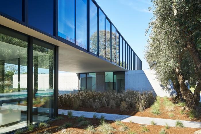oz-by-stanley-saitowitz-natoma-architects-inc9-960