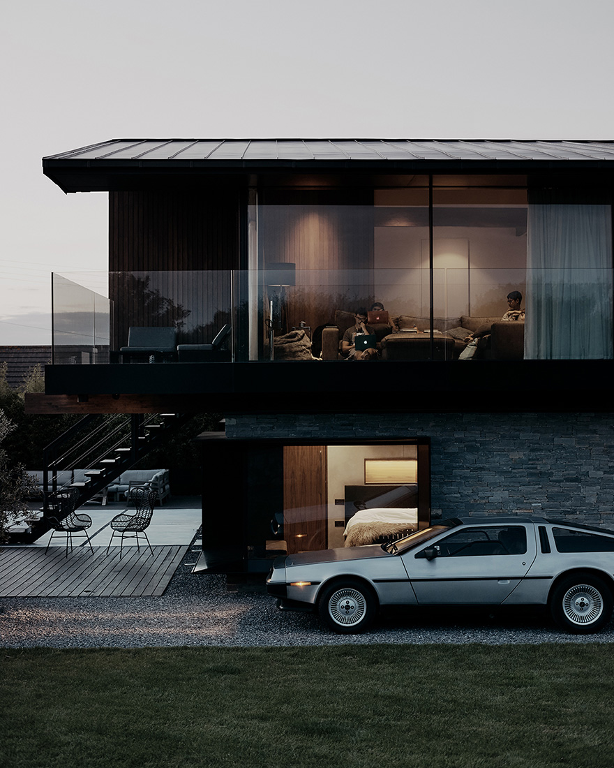Silver House by Hyde + HydeArchitects