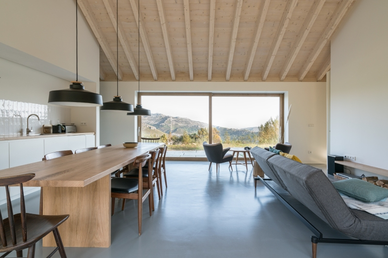 villa-slow-holiday-retreat-valles-pasiegos-david-montero-laura-alvarez-architecture-01