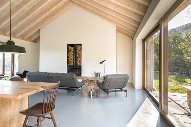 villa-slow-holiday-retreat-valles-pasiegos-david-montero-laura-alvarez-architecture-02