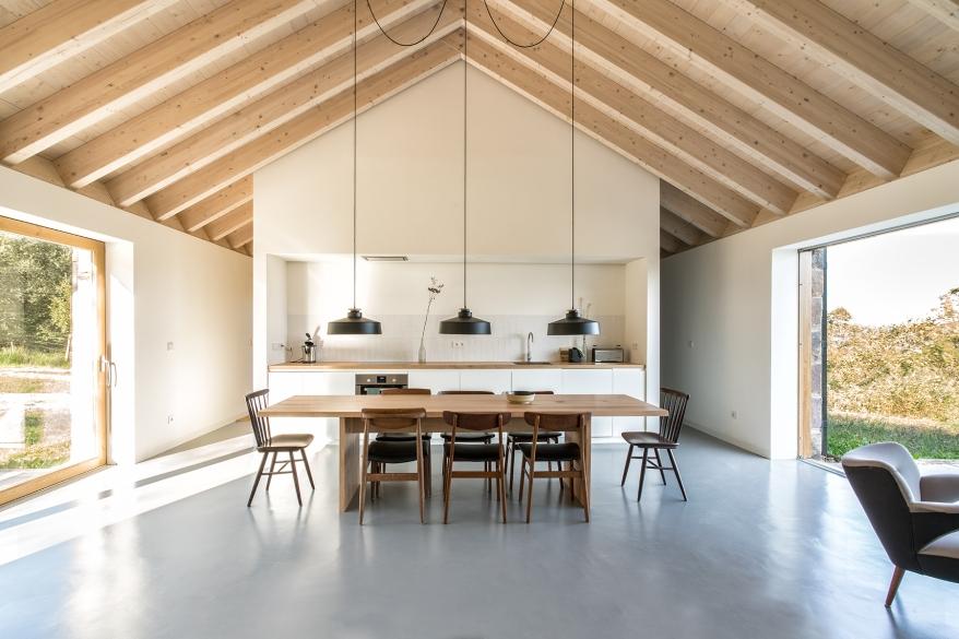 villa-slow-holiday-retreat-valles-pasiegos-david-montero-laura-alvarez-architecture-05