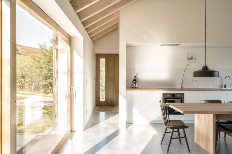 villa-slow-holiday-retreat-valles-pasiegos-david-montero-laura-alvarez-architecture-06