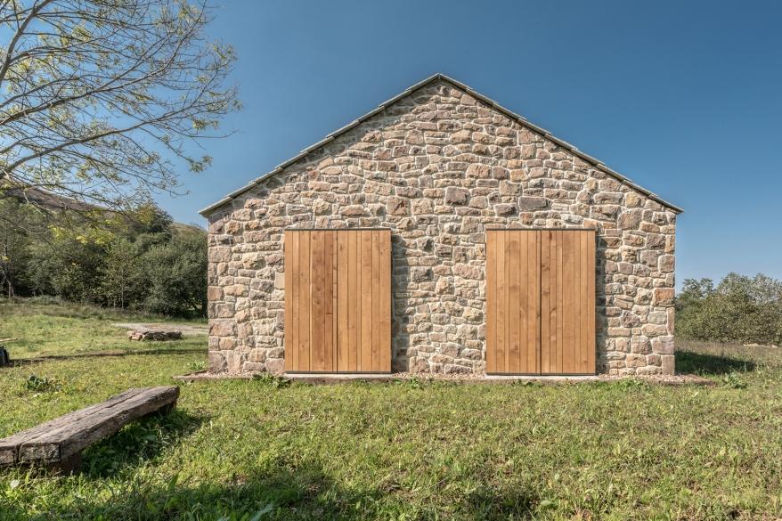 villa-slow-holiday-retreat-valles-pasiegos-david-montero-laura-alvarez-architecture-24