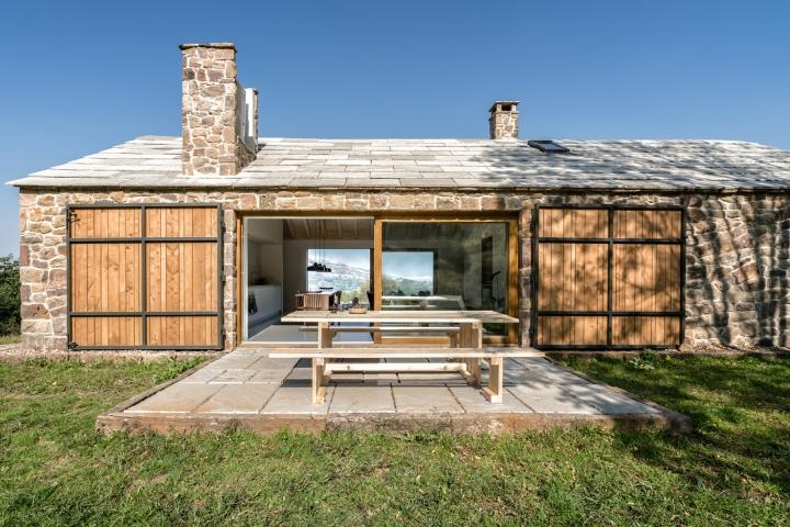 villa-slow-holiday-retreat-valles-pasiegos-david-montero-laura-alvarez-architecture-36