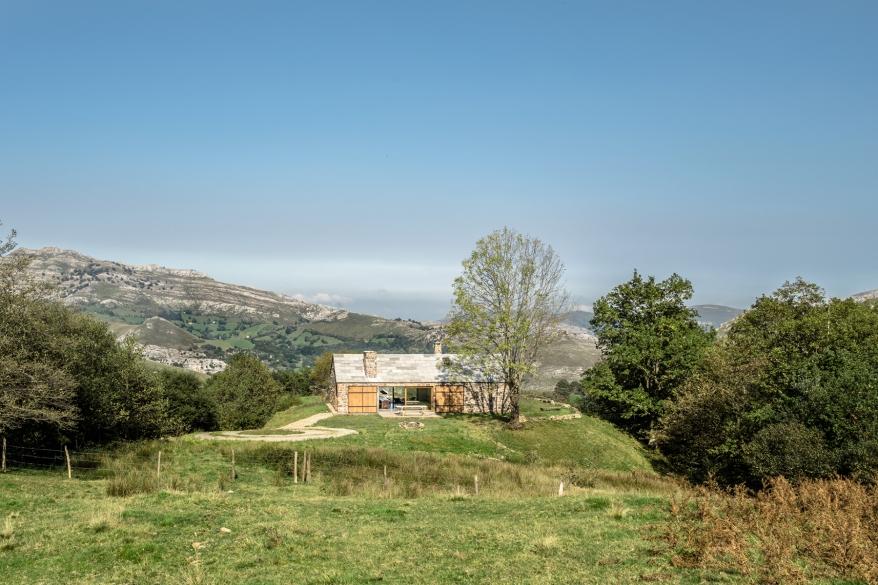 villa-slow-holiday-retreat-valles-pasiegos-david-montero-laura-alvarez-architecture-40