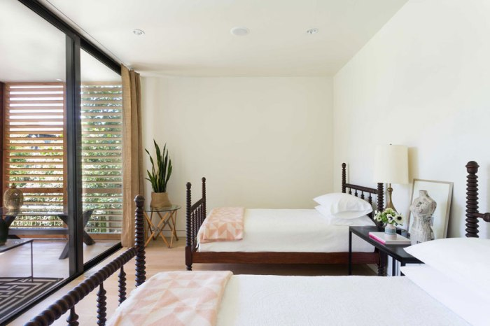 1_Bedroom-1_Credit-Claudia-Uribe