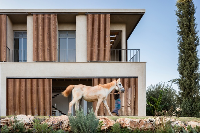 Golany-Architects_Residence-in-the-Galilee_02_Amit-Geron