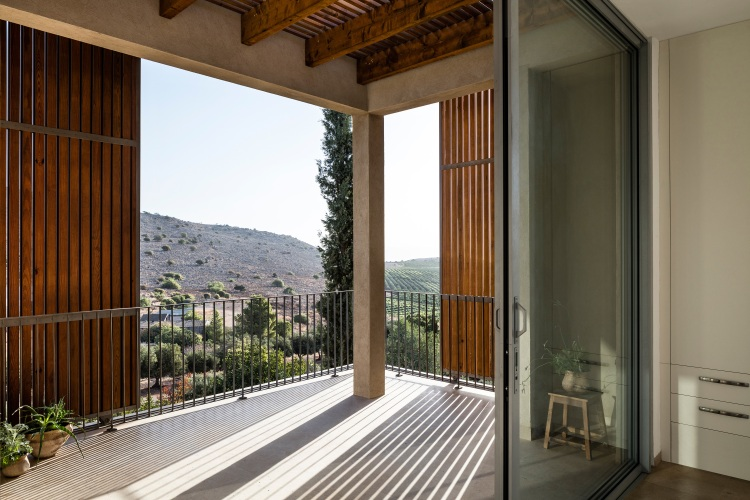 Golany-Architects_Residence-in-the-Galilee_25_Amit-Geron