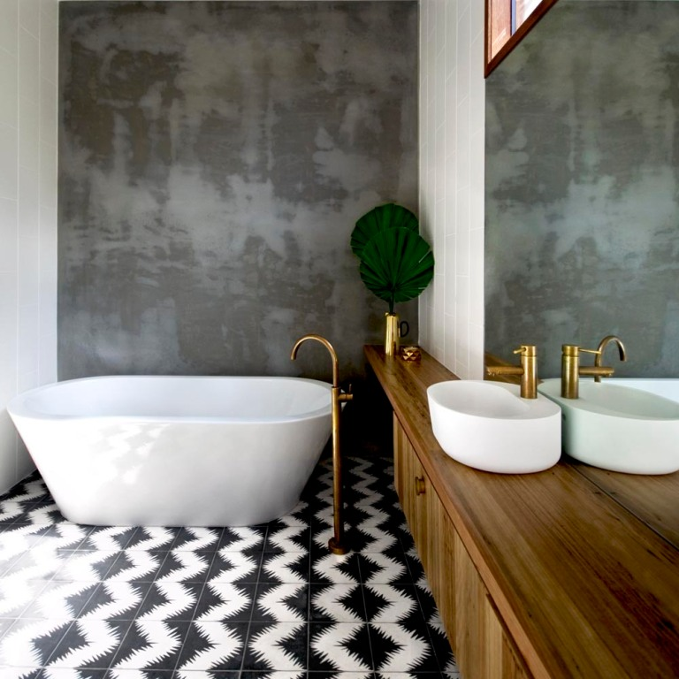 Bluff House by Auhaus Architecture bathroom+4