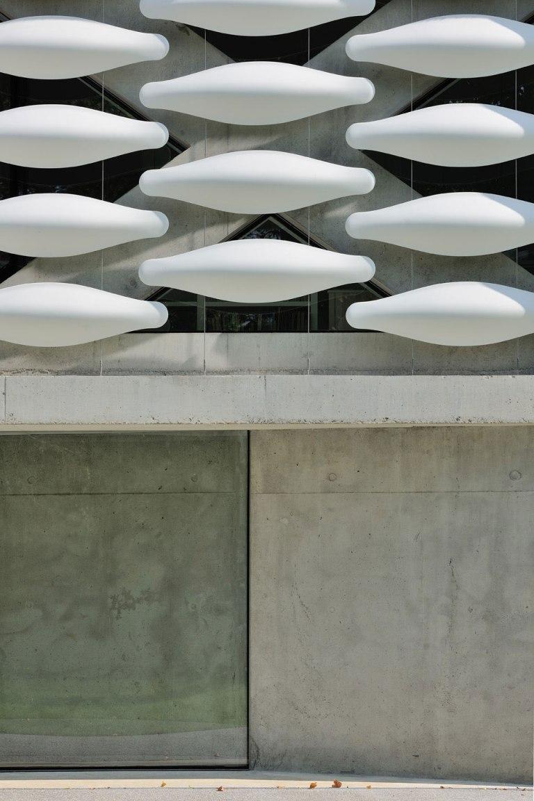 maison-au-bord-du-lac-08-aum-minassian-architectes-architecture-maison-contemporaine-materiaux-beton-acier-brut-lac-leman-geneve-haute-savoie