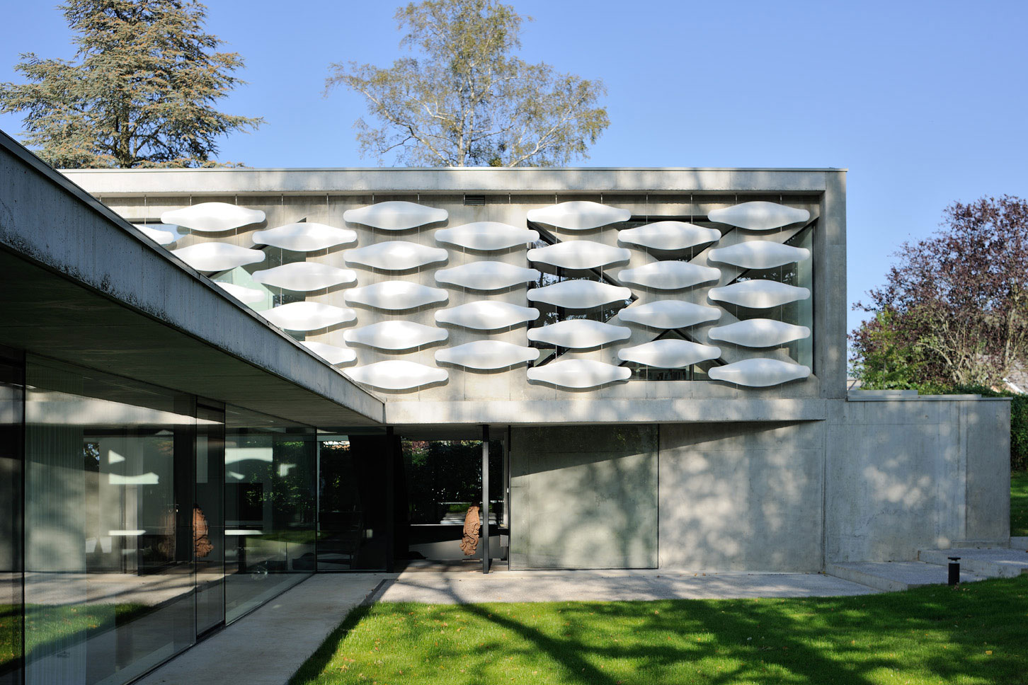 Maison au bord du lac 13 aum minassian architectes for Architecture contemporaine