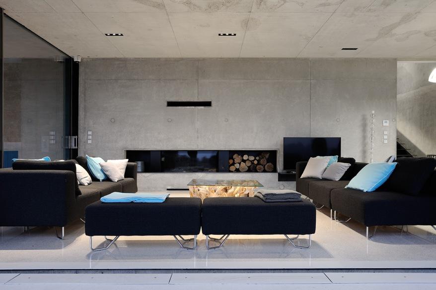 maison-mira-ra-01-aum-minassian-architectes-architecture-maison-contemporaine-materiaux-beton-acier-brut-sud-france-5