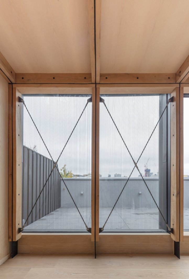 Union-Wharf-Islington-London-Timber-Oak-Ash-Roof-Extension-Cross-Bracing-Residential-Architect