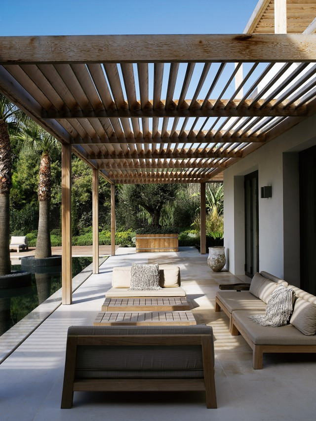 design-project-beach-villa-pt-south-coast-gijs-loveseat-annet-coffee-table-rp-075-tall