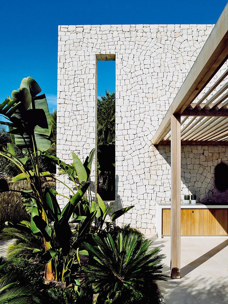South Coast Villa by Studio PietBoon