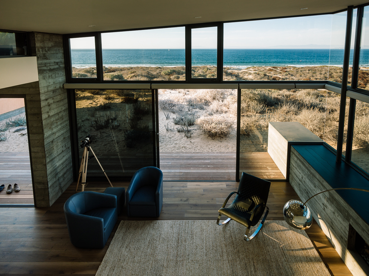 Beach House by Sagan Piechota Architecture
