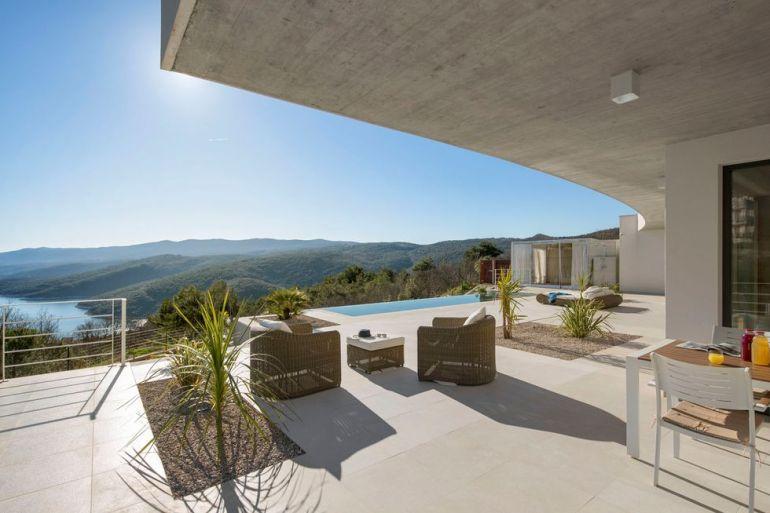 Villa Rabac, Croatia by Romina Mohorović architect 07