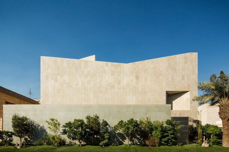 AGi-Architects_Wall-House_-Photo_1