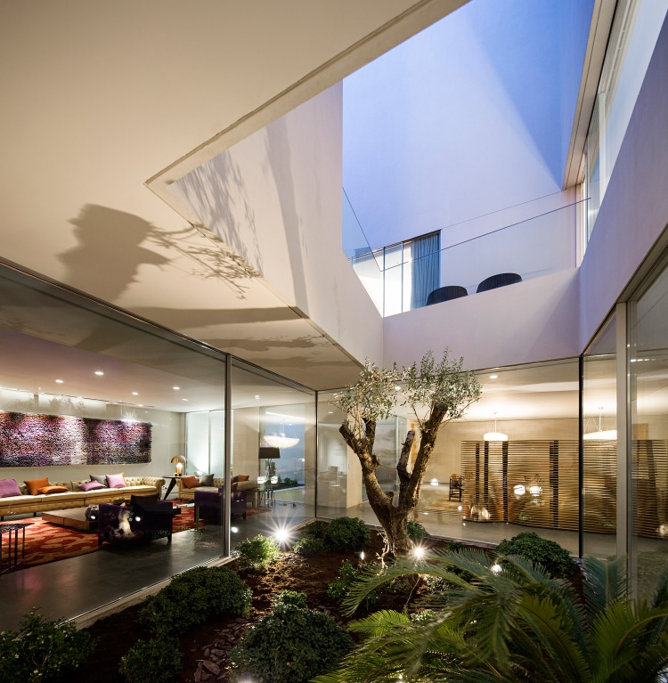 AGi-Architects_Wall-House_-Photo_3