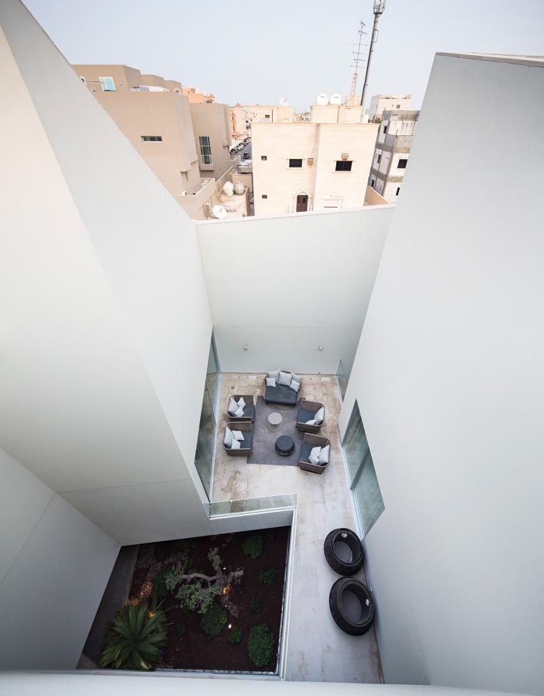 AGi-Architects_Wall-House_-Photo_4