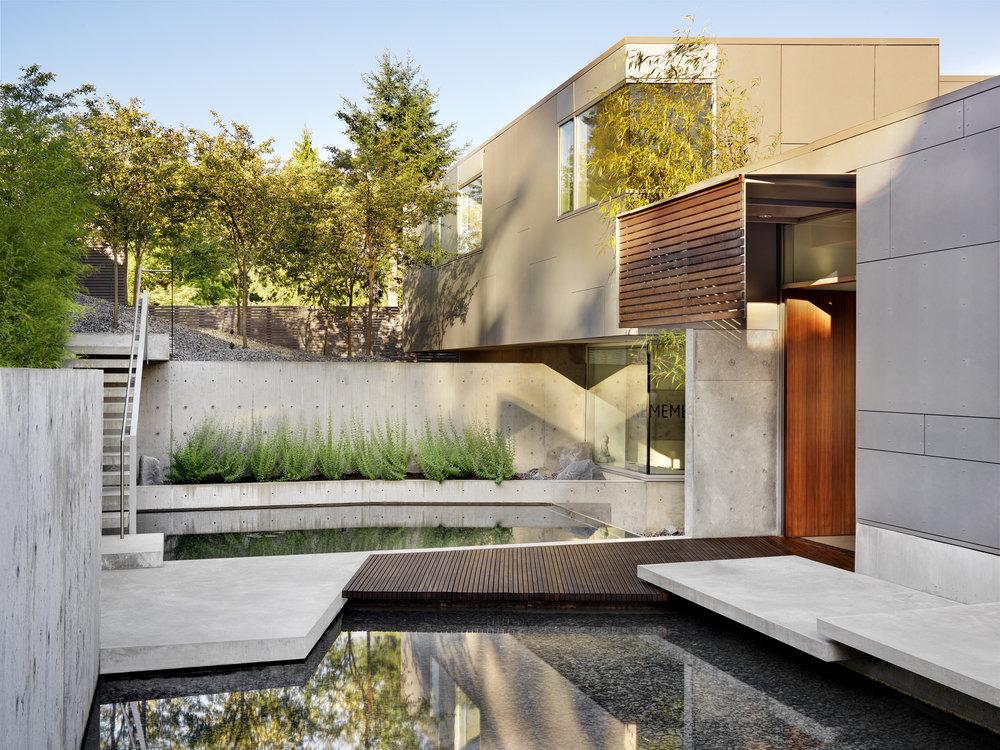 Esquimalt House by Mcleod Bovell ModernHouses