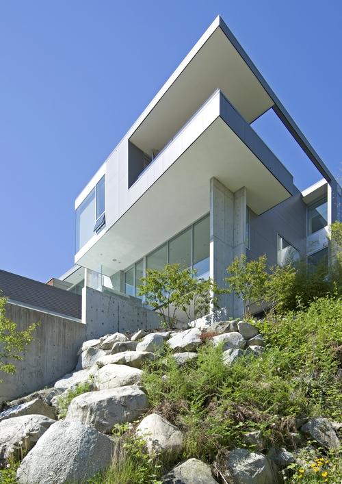 Esquimalt_ House_ Mcleod Bovell Modern Houses_ 09
