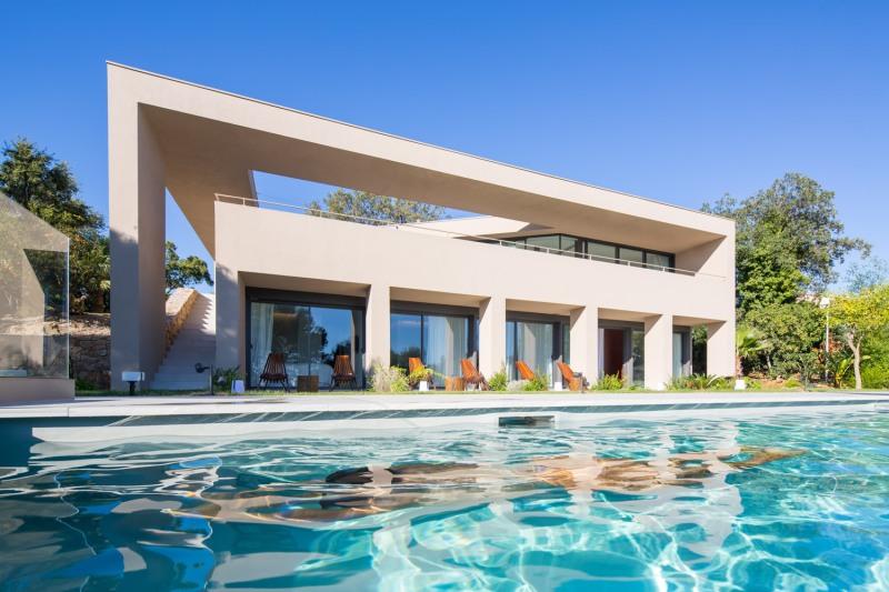 House L4 ▪ Ramatuelle, France by Vincent Coste Architects 02