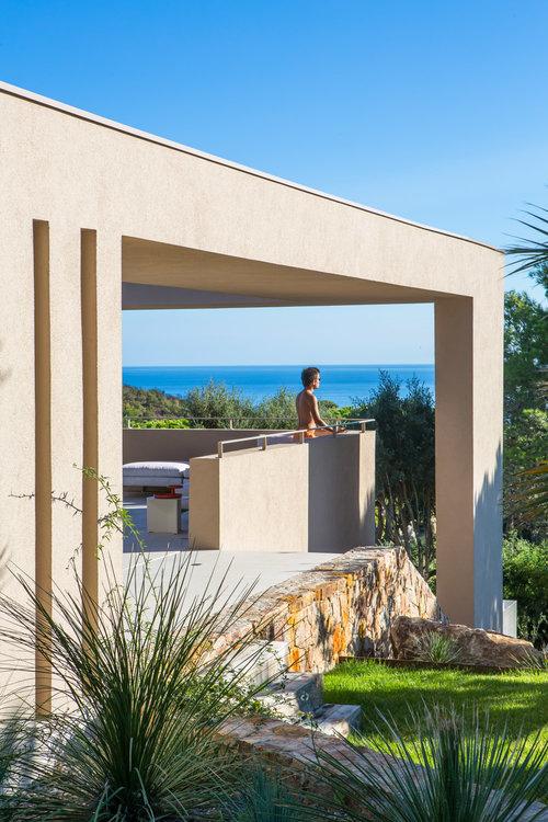 House L4 ▪ Ramatuelle, France by Vincent Coste Architects 04