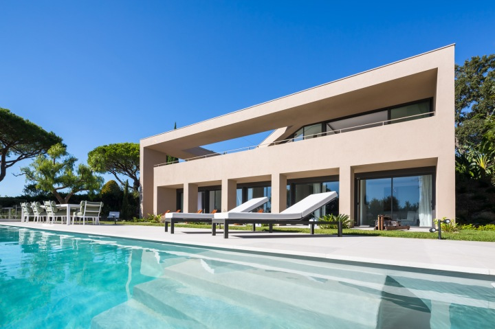 House L4 ▪ Ramatuelle, France by Vincent Coste Architects 05