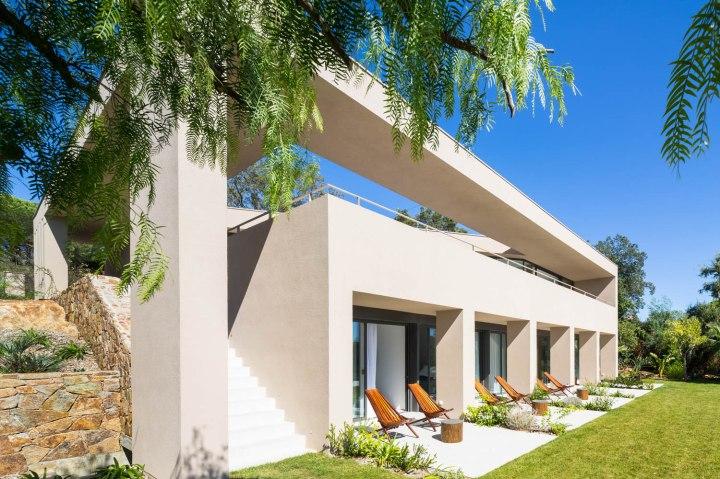 House L4 ▪ Ramatuelle, France by Vincent Coste Architects 07