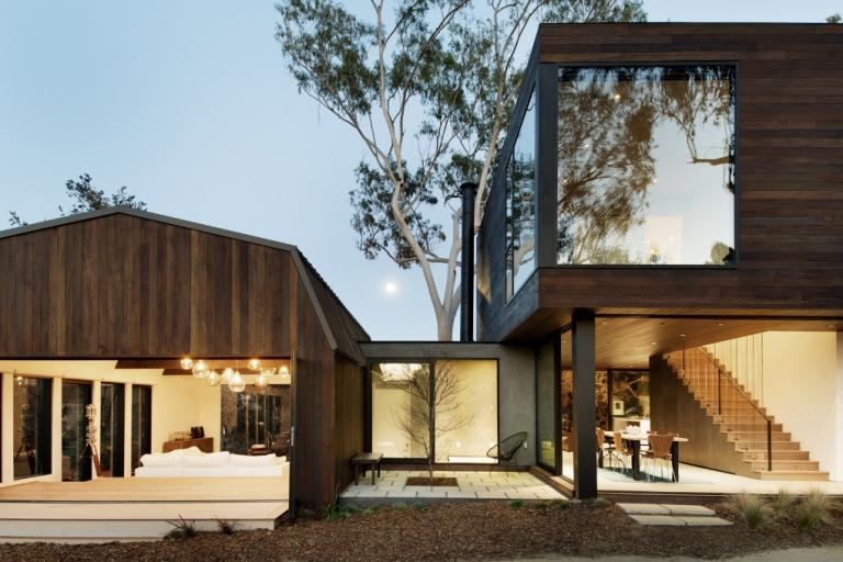 Oak pass guest house by walker workshop casalibrary for Casa moderna storm oak