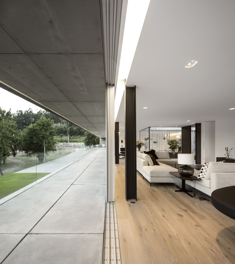 Sambade House by Spaceworkers 02