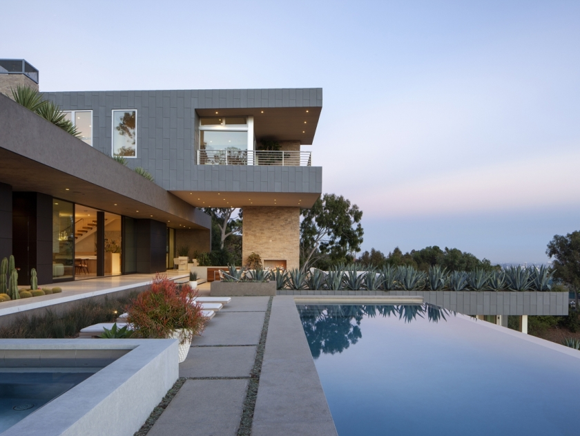 Summitridge Residence by Marmol Radziner Architects 01
