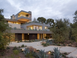 Summitridge Residence by Marmol Radziner Architects 05