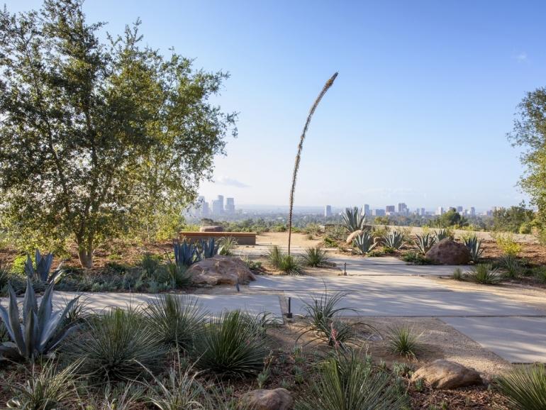 Summitridge Residence by Marmol Radziner Architects 17