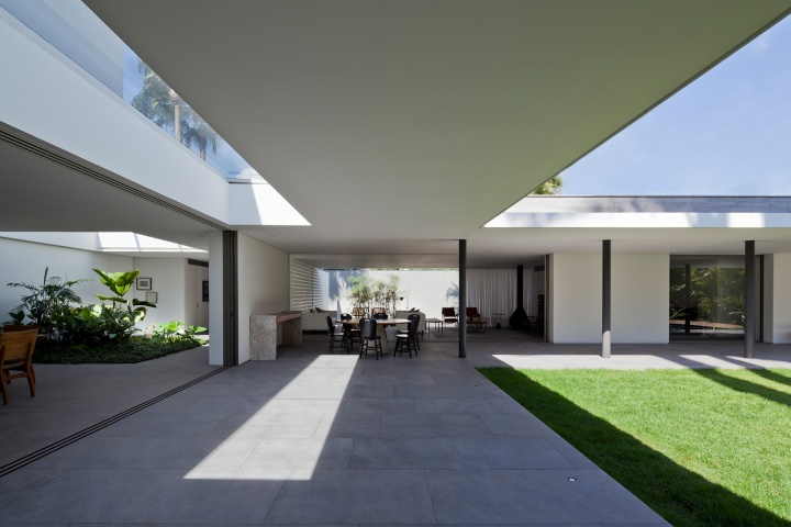 Alto de Pinheiros by House AMZ Arquitetos 01