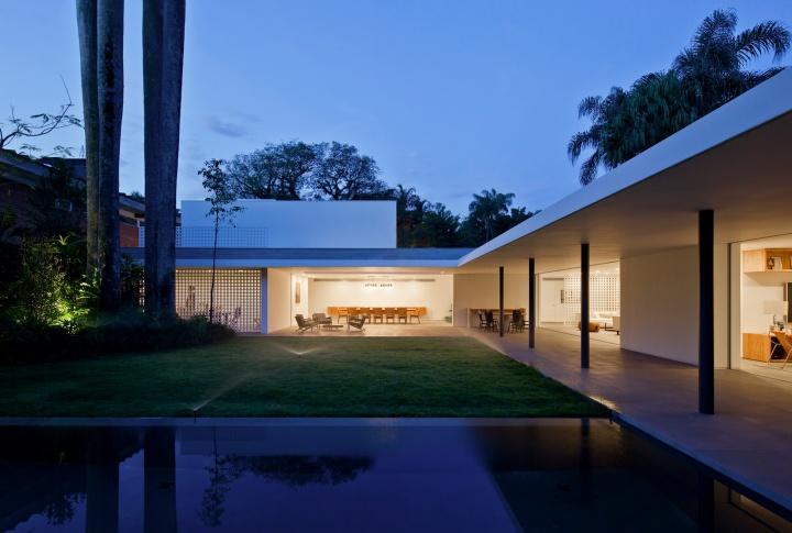 Alto de Pinheiros by House AMZ Arquitetos 10