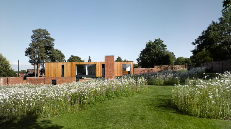 Cheeran House by John Pardey Architects-01
