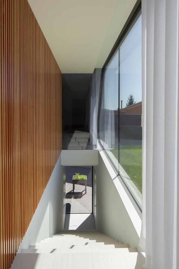 P161 by Helder Coelho Arquitecto 11
