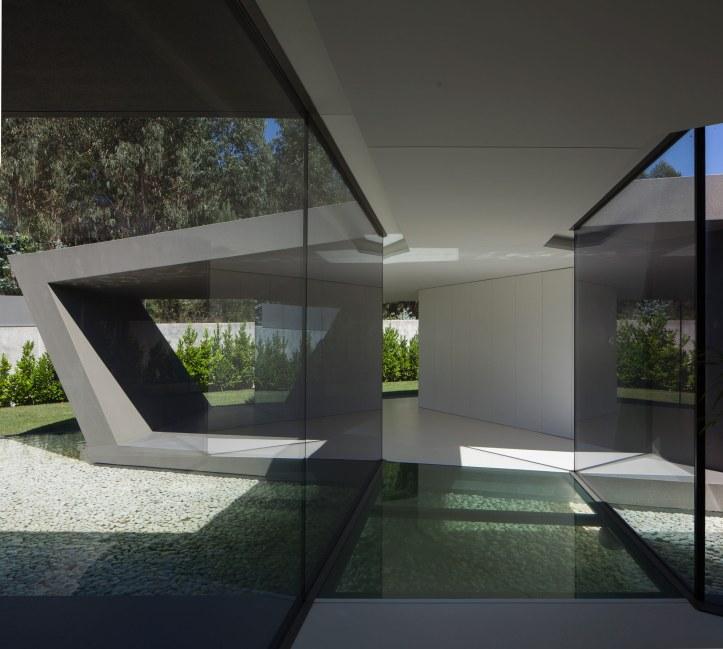 P161 by Helder Coelho Arquitecto 13