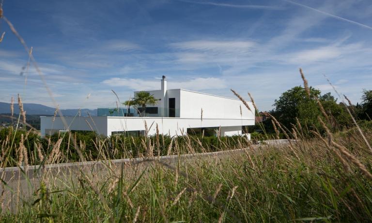 The Triangle House by Philipp Architekten 02