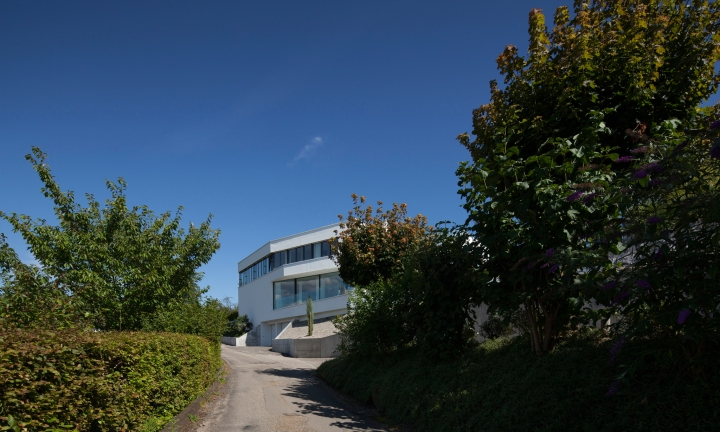 The Triangle House by Philipp Architekten 04