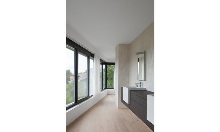 The Triangle House by Philipp Architekten 11