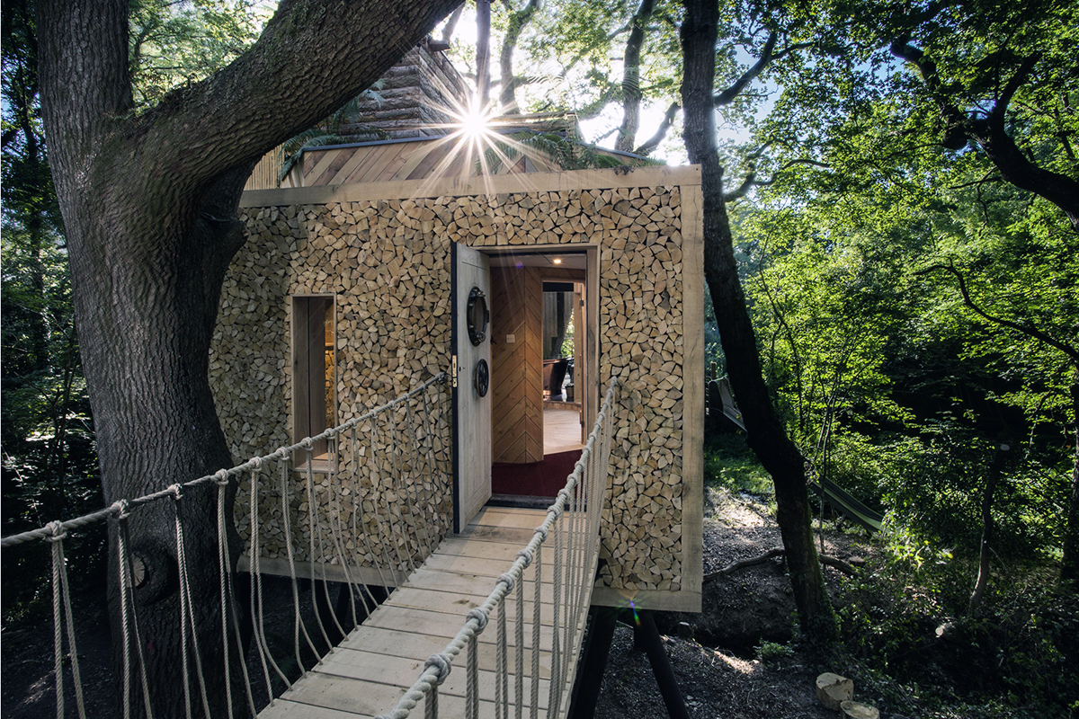 The Woodman's Treehouse by Brownlie Ernst and Marks Architects