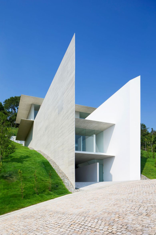 YA-House by Kubota Architect Atelier 13