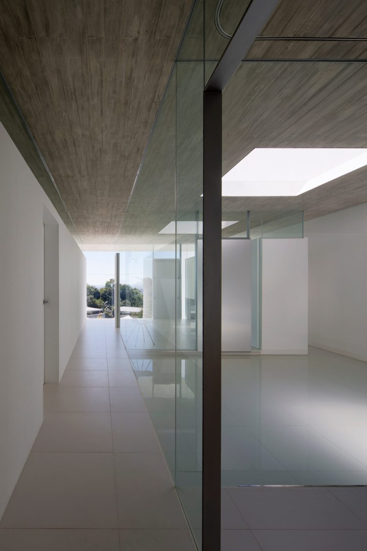 YA-House by Kubota Architect Atelier 14